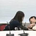 【画像あり】佐倉綾音がガッツリおッぱい揉まれまくってて工□すぎる件