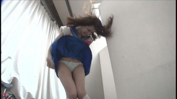 (朗報)強風でスカートが捲れて見えたパンツ丸見えを人工的に再現してみた☆☆☆☆☆(写真あり)