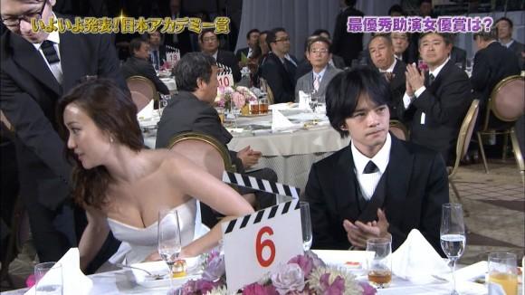 (悲報)顔は劣化・・・オーラなし・・・残るは美巨乳お乳だけとなってしまった元AKB48大島優子(写真あり)