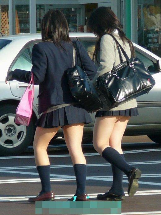 顔不要☆☆☆下半身だけで十分抜けてしまう異常なえろさの10代小娘街撮りえろ写真