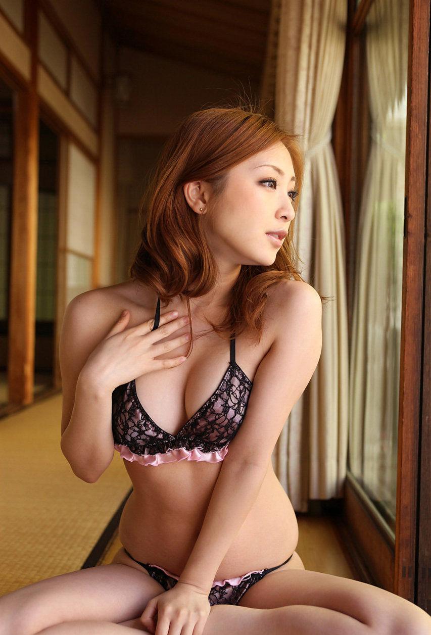 (色っぽいランジェリー)えろい下着つけた女って裸よりシコれるよな?wwwwwwwwwwww(写真あり)