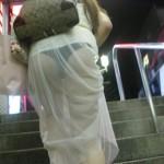 【盗撮】パンティーラインとかパンティー丸ごと見えてる透けパン素人さんのエロ画像wwwwwww