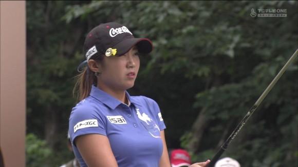 韓国女子ゴルファーイ・ボミ選手の美巨乳お乳強調えろキャプ写真wwwwwwwwwwww