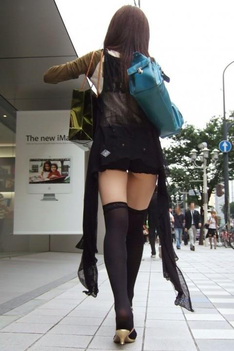 絶対領域が我慢できねえって感じのニーハイ女子の下半身がえろ過ぎる秘密撮影えろ写真wwwwwwwwwwwwww