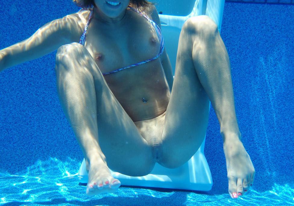 水中専門のカメラマンが捉えたミズ着女のえろ写真がクッソヌけるんだがwwwwwwwwwwwwwwww(写真あり)